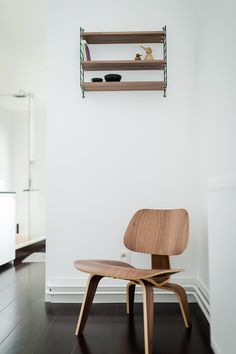 Vitra LCW Chair (http://www.nest.co.uk/search/vitra-lcw-plywood-chair) and String Pocket Shelving (http://www.nest.co.uk/product/string-pocket-shelving) featured on Remodelista