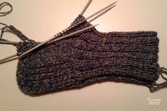 Fru Fialisa: Sticka en socka Stick O, Knitting Socks, Loom, Bacon, Anna, Hermione, Knit Socks, Sock Knitting, Fabric Frame