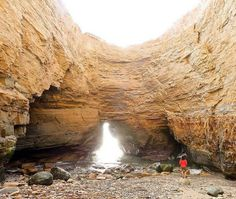 There are a few different ways to explore sea caves in San Diego. You can kayak to them, of course, but there are also some that you can access by land — including a couple of hidden / secret ones that you can get to *at your own risk.*