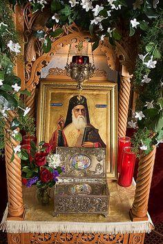 Bass Dandes / This is a shrine of Saint Nektarios of Aegina. Religious Icons, Religious Art, Christian Church, Christian Faith, Greek Icons, Russian Orthodox, Byzantine Icons, Orthodox Christianity, Catholic Saints