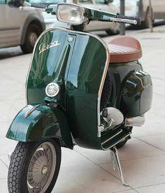 Piaggio Vespa, Scooters Vespa, Scooter Motorcycle, Ktm 450 Exc, Classic Motors, Classic Cars, Vespa Images, Moto Guzzi, Vespa Smallframe