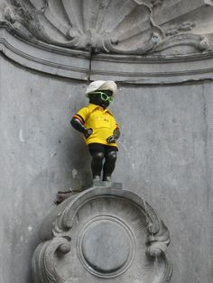 Manneken Pis on Tour de France outfit. :)