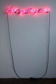 Een echte blikvanger in huis neon lichtletters