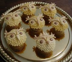 Golden Owl Cupcakes
