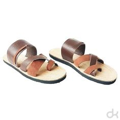 Ufa! Então partiu happy hour com a galera? Um ótimo final de semana á todos! ❤💥🍻 Aproveite e click no link da bio e confira detalhes e modelos disponíveis da nova coleção 😊  #dkowskishoes #onlyone #sandalias #upcycling #ecofriendly #modaconsciente #moda #fashion #fashionconscious #shoes #madeinbrazil #art #design #minimalist #sandal #couro #handmade #brasil #positivevibes #apenasum #único #woman #man #newcollection #ss16 #spring