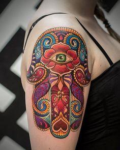 45 popular hamsa tattoo designs for women (with meaning) . Hamsa Hand Tattoo, Hand Tattoos, Tattoo Henna, Tattoo Trend, Get A Tattoo, Body Art Tattoos, Finger Tattoos, Hamsa Tattoo Meaning, Tatto Ink