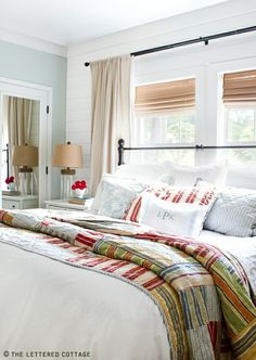 bed under window, love this room