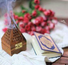 Find images and videos about roses and quran on We Heart It - the app to get lost in what you love. Khalid, Ramadan, Quran Sharif, Islamic Dua, Islam Religion, Quran Verses, Islamic Pictures, Islam Quran, Holy Quran