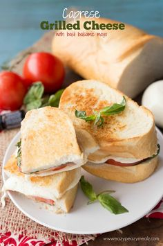 Thick french bread toasted to perfection and layered with basil tomato and fresh mozzarella with a balsamic basil mayo! Soup And Sandwich, Sandwich Recipes, Pesto, Eazy Peazy Mealz, Beste Burger, Great Recipes, Favorite Recipes, Wraps, Wrap Sandwiches