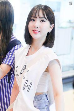 Kpop Girl Groups, Korean Girl Groups, Kpop Girls, Girls In Love, Cute Girls, Cool Girl, Sexy Asian Girls, Beautiful Asian Girls, Boyish Style