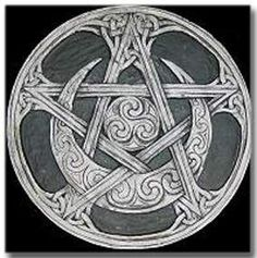 The Pentacle or Pentagram is the five-pointed star, a very ancient symbol used by many cultures in their magical rituals. As a sacred obj. Pentacle, Pentagram Tattoo, Pagan Witch, Witches, Mandala, Celtic Art, Celtic Dragon, Ancient Symbols, Book Of Shadows