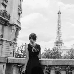 I love turning some of our colored images into black & whites, like this shot from Paris that was on the blog this past week  #blackandwhite #paris #france #gmgtravels #bows