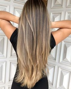 10 Biggest Spring/Summer 2020 Hair Color Trends You'll See Everywhere Straight Hair Highlights, Balayage Straight Hair, Brown Hair With Blonde Highlights, Blonde Hair Looks, Honey Blonde Hair, Brown Hair Balayage, Truss Hair, Pretty Hair Color, Hair Dye Colors