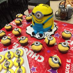 Minion cake, cookies and cupcakes