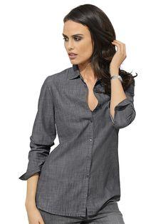 Jeansbluse in klassischer Form mit Hemdblusenkragen und Knopfleiste. Lässige Form, Länge in Gr. 38 ca. 68 cm. Obermaterial: 100% Baumwolle...