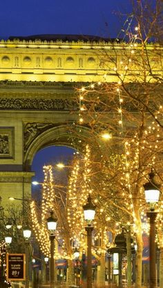 Christmas, Arc de Triomphe, Paris
