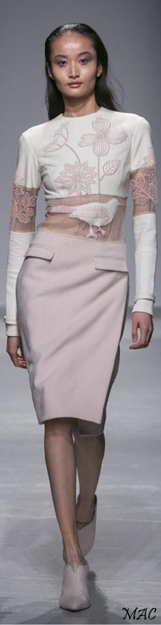 Fall 2015 Ready-to-Wear Rahul Mishra - Paris https://www.pinterest.com/renincognito/fashion/
