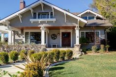 24 Super Ideas For House Exterior Bungalow Dreams Craftsman Cottage, Craftsman Exterior, Craftsman Style Homes, Cottage House Plans, Craftsman Bungalows, Cottage Homes, Exterior Homes, Beach Bungalow Exterior, Modern Craftsman