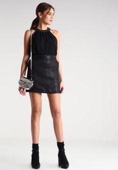 Minirokken New Look Minirok - black Zwart: 29,95 € Bij Zalando (op 25/11/16). Gratis verzending & retournering, geen minimum bestelwaarde en 100 dagen retourrecht!