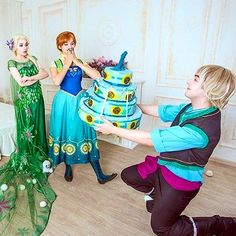 Bom dia!  #disneyfandom #disneyfans  #princess #disneyprincess #disneyworld #ariel #thelittlemermaid #mermaid #apequenasereia #disneystore #school #escola #kids #child #children #criança #crianças #meninos #meninas #bela #abelaeafera #batb #beautyandthebeast #belle #gaston #goodmorning #bomdia #elsa #frozen #anna http://misstagram.com/ipost/1550100857570431988/?code=BWDEIRlg5P0
