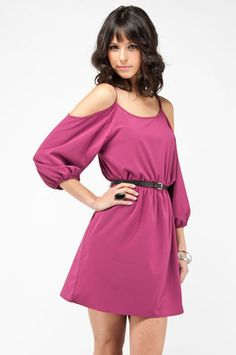 I normally don't like these should cut-out dresses but the sleeves on this one give it a distinct 70s feel. :-) $52.00 They have it in teal too!