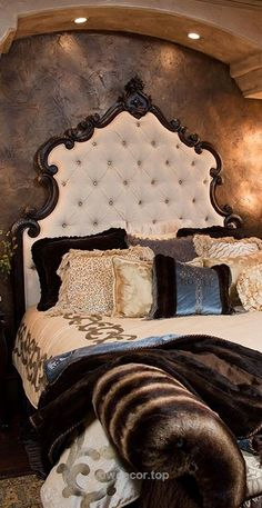 Tuscan design – Mediterranean Home Decor Dream Bedroom, Home Bedroom, Master Bedroom, Bedroom Decor, Tuscan Bedroom, Bedroom Ideas, Mediterranean Home Decor, Italian Home Decor, Tuscan Design