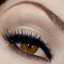 Soft shimmer, intense liner