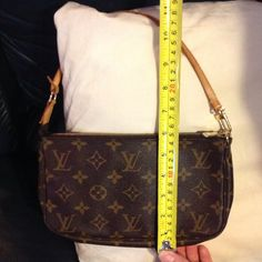 NO TRADE ❤️AUTHENTIC LV SMALL BAG Used a few times.  Make an offer. Louis Vuitton Bags