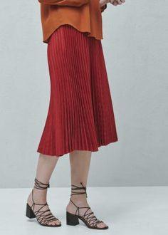 mango falda midi plisada rojo