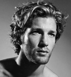 Messy hairstyles for men have been incredibly popular in recent years. Messy hair for guys is trendy and now. Get inspired by these top 50 men's hairstyles. Mens Haircuts Wavy Hair, Long Curly Hair Men, Guy Haircuts Long, Men's Haircuts, Modern Haircuts, Wavy Hairstyles, Fade Haircut, Thin Hair, Wedding Hairstyles