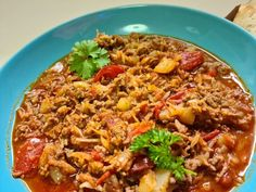 lecso-daralt-hussal-kaposztaval-meg-a-nagymamamtol-tanultam-a-receptet Fried Rice, Chili, Soup, Ethnic Recipes, Creative Crafts, Creativity, Red Peppers, Food And Drinks, Chile