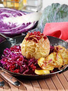 Cool Rotkohlpfanne mit Bratapfel Rezept auf wohnen und garten de