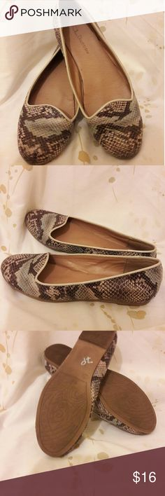 Chinese Laundry flats These fake snake skin Chinese Laundry flats are perfect for everyday use Chinese Laundry Shoes Flats & Loafers
