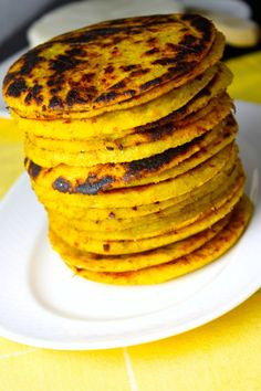 Savoir Faire: Plantain Arepas-Fit with Panela Cheese (Recipe and Video) Healthy Recipes, Baby Food Recipes, Mexican Food Recipes, Dessert Recipes, Cooking Recipes, Dinner Recipes, Plantain Recipes, Venezuelan Food, Queso Blanco