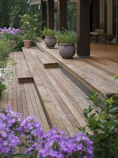 Building A Deck 360921357635914478 - Unbelievable Front Porch With Wooden Ipe Deck Ideas Source by laurencepoinsot Small Front Yard Landscaping, Small Front Porches, Decks And Porches, Landscaping Ideas, Small Patio, Front Porch Deck, Porch Stairs, Porch Roof, Front Yards