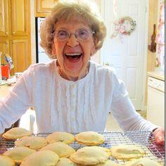 Crafts a la mode : Vintage Raisin Filled Cookies