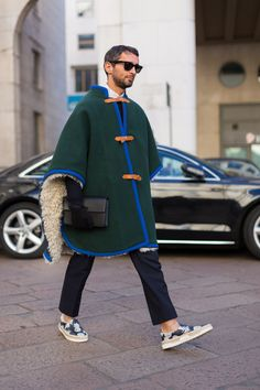 Charles-Edouard Woisselin bring us a selection of the best looks photographed in the streets of Milan during Milan Fashion Week, in exclusive for Fucking Young! Modern Mens Fashion, Boy Fashion, Winter Fashion, Fashion Outfits, Italian Mens Fashion, Fashion Design, Milan Fashion, Stylish Men, Men Casual