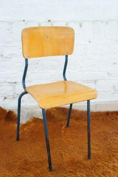 CHAISE ENFANT ECOLIER BLEU MARINE : en vente sur le site www.weartgalerie.com