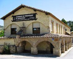 Albergue de peregrinos de los Padres Reparadores de Puente la Reina #Navarra #CaminodeSantiago
