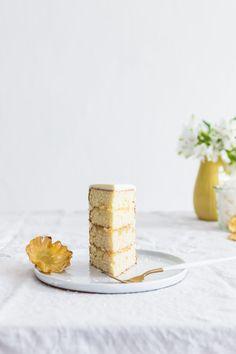 Pineapple - Coconut Cake - Lapetit Coconut Pineapple Cake, Chocolate Mousse Cake, Easy Cake Recipes, Place Card Holders, Pineapple, Cake Recipes, Chocolate Mousse Pie
