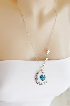 Crescent Moon and Star Necklace, Moon Necklace, Astrology Sign, Heart Jwelry… Moon Jewelry, Cute Jewelry, Silver Jewelry, Jewelry Accessories, Jewelry Necklaces, Jewelry Design, Unique Jewelry, Swarovski Heart, Charms Swarovski