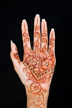 henna palm tattoo Mehndi Art, Henna Mehndi, Palm Tattoos, Henna Tattoos, Henna Palm, Henna Ideas, Ink, Woman, Travel