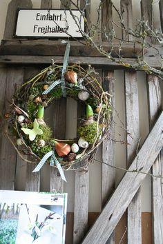 Frühling wir freuen uns auf dich Türkranz von Frijda im Garten - Aus einer Idee wurde Leidenschaft auf DaWanda.com