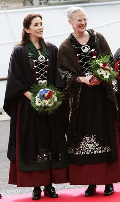 Queen Margrethe and pregnant Crown Princess Mary in traditional costume of Faroe Island. Denmark Royal Family, Danish Royal Family, Princesa Mary, Casa Real, Prince Frederick, Queen Margrethe Ii, Danish Royalty, Royal Clothing, Royal Jewels