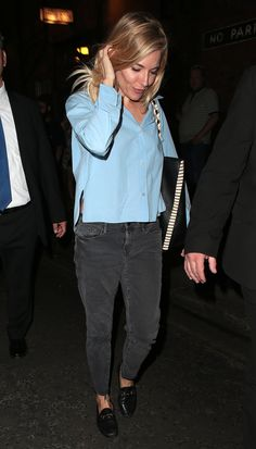 In Frame Jeans With A Proezna Schouler Bag - Leaving the theater after her performance in Cat on a Hot Tin Roof in London, 2017