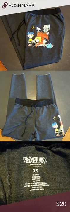 """PEANUTS DARK GRAY JOGGER XS Super cute and hard to find PEANUTS GANG jogger Size XS ELASTIC WAIST WITH TIE TOTAL 33.75"""" , INSEAM 25"""" NO TRADES NO LOWBALL OFFERS NO NEGOTIATING OVER COMMENT, USE OFFER BUTTON Peanuts Pants Track Pants & Joggers"""