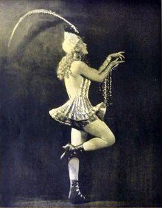 Ziegfeld Girl Actress Mae Murray from February 1920 Shadowland. Antique Photos, Vintage Photographs, Vintage Photos, Ann Pennington, Olive Thomas, Mae Murray, Dolly Sisters, Vintage Magazine, Ziegfeld Girls