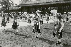 Hué - Danseurs royaux au palais impérial, 1919-26