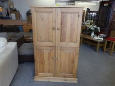 Hideaway pine desk / tv unit, measurements are H-133cm W-76cm D-43.5cm ----------------- £65 (pc164)