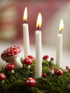 Superenkel og dekorativ borddekorasjon. Candles, Candy, Pillar Candles